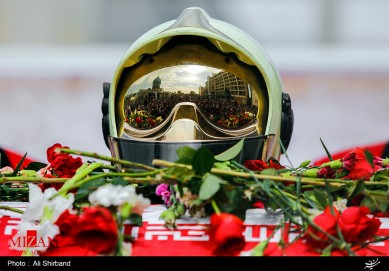 Iranian participate in funeral for brave firefighters