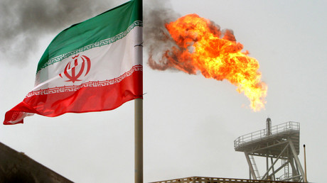Get ready for $250 oil if Iran blocks key shipment route in Middle East, analysts tell RT