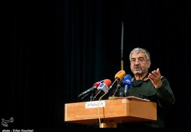 Iran in Economic War with Enemy: IRGC Commander
