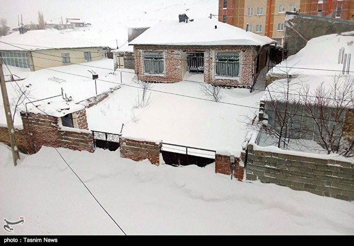 Iranian City of Khalkhal Blanketed by Heavy Snow