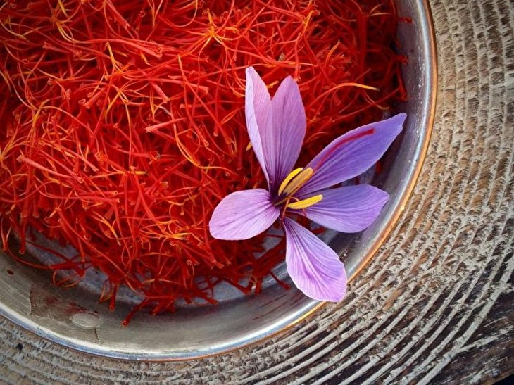 Which One's Better: Spanish or Iranian Saffron?