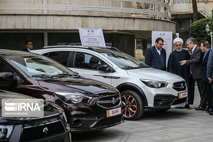 Rouhani unveils 3 domestically-made cars