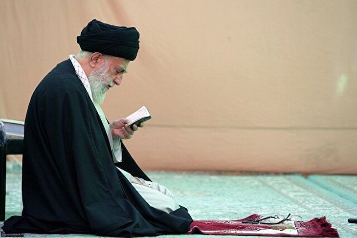 The three places Imam Khamenei visits when he is sad